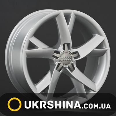 Литые диски Replay Audi (A33) W8 R18 PCD5x112 ET26 DIA66.6 silver