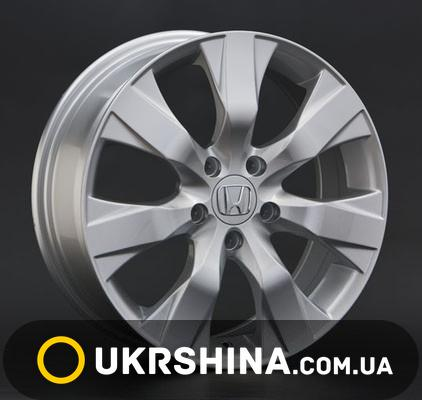 Литые диски Replay Honda (H21) W8 R17 PCD5x120 ET55 DIA64.1 silver