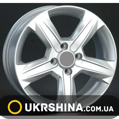 Литые диски Replay Hyundai (HND119) W6 R15 PCD4x100 ET48 DIA54.1 silver
