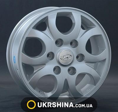 Литые диски Replay Hyundai (HND55) W6.5 R16 PCD6x139.7 ET56 DIA92.3 silver
